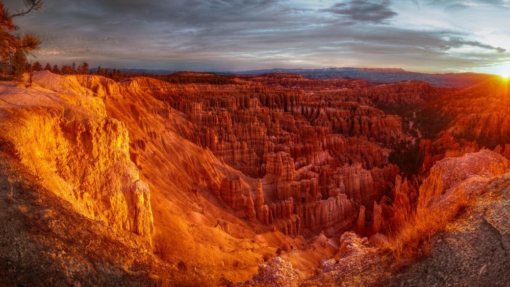 Sunrise at Bryce Canyon wallpaper