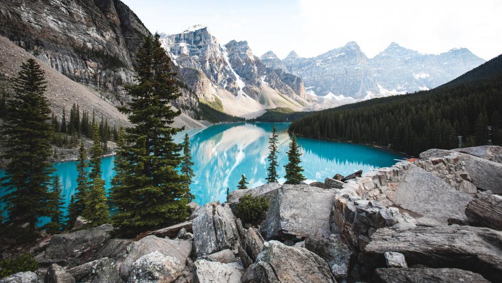 Moraine Lake, Canada wallpaper