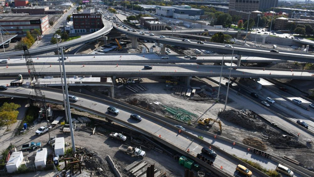 Reconstruction of the Jane Byrne Interchange in Chicago wallpaper