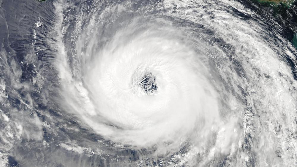 Super Typhoon Trami Approaching Okinawa on September 28, 2018 wallpaper