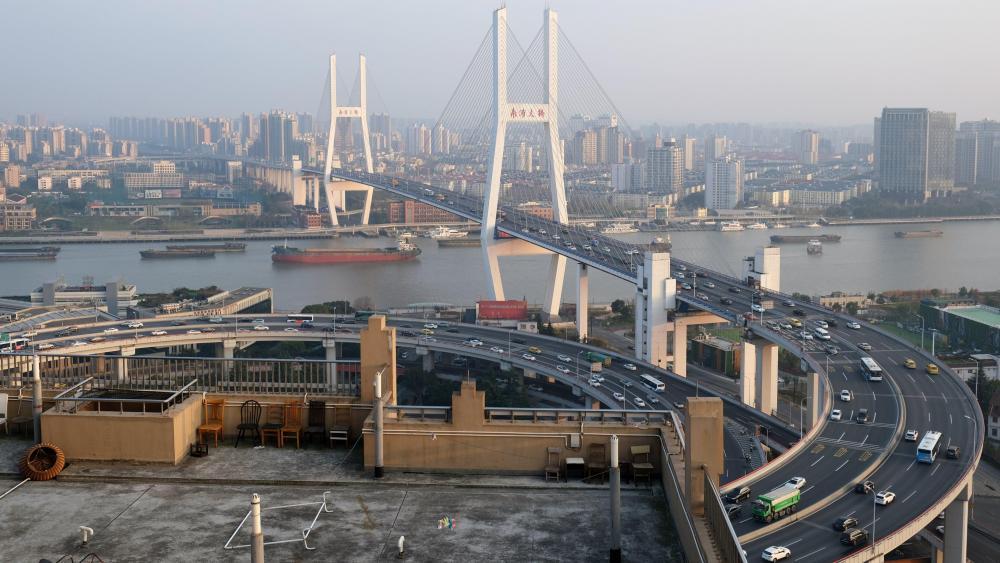 Shanghai's Nanpu Bridge wallpaper