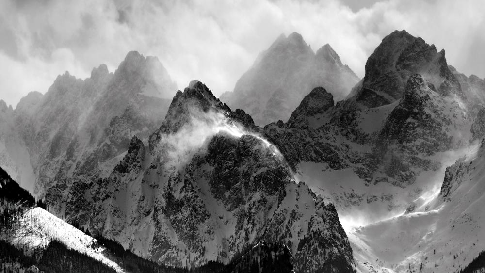 Misty Mountains monochrome photography wallpaper