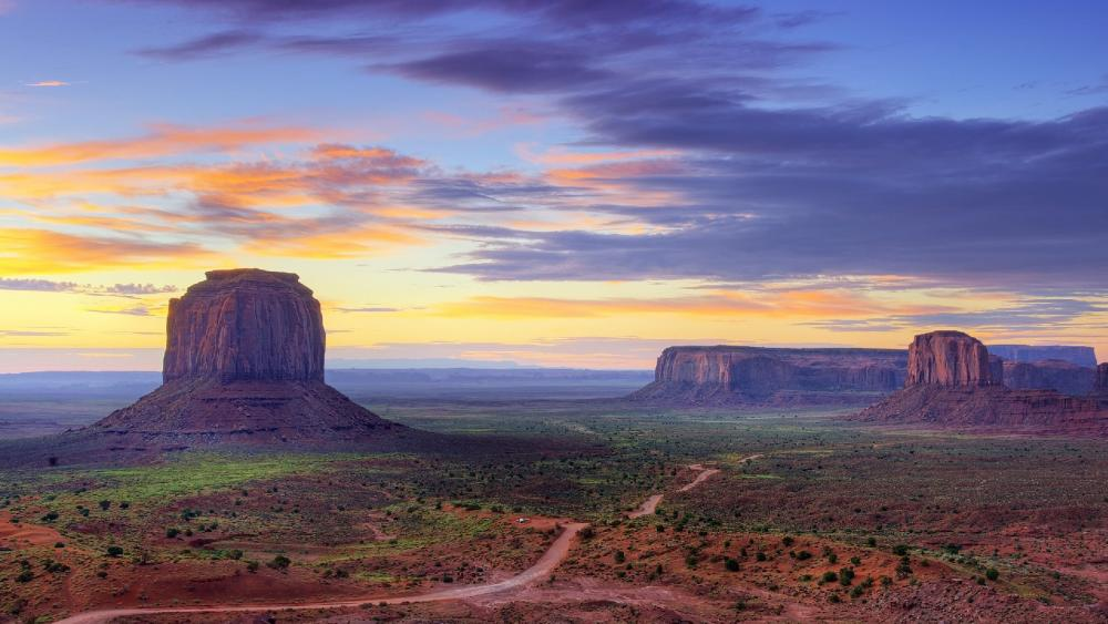 Butte in the Monument Valley wallpaper