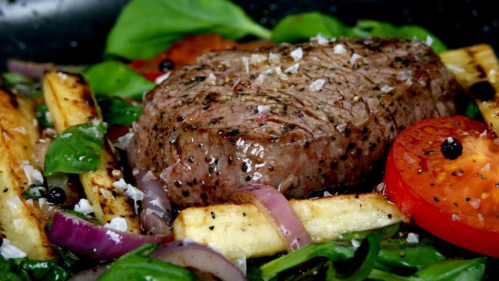 Steak on salad wallpaper