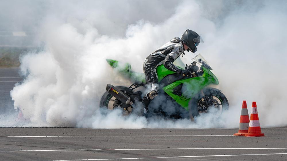 Kawasaki Ninja ZX-10R Burnout wallpaper