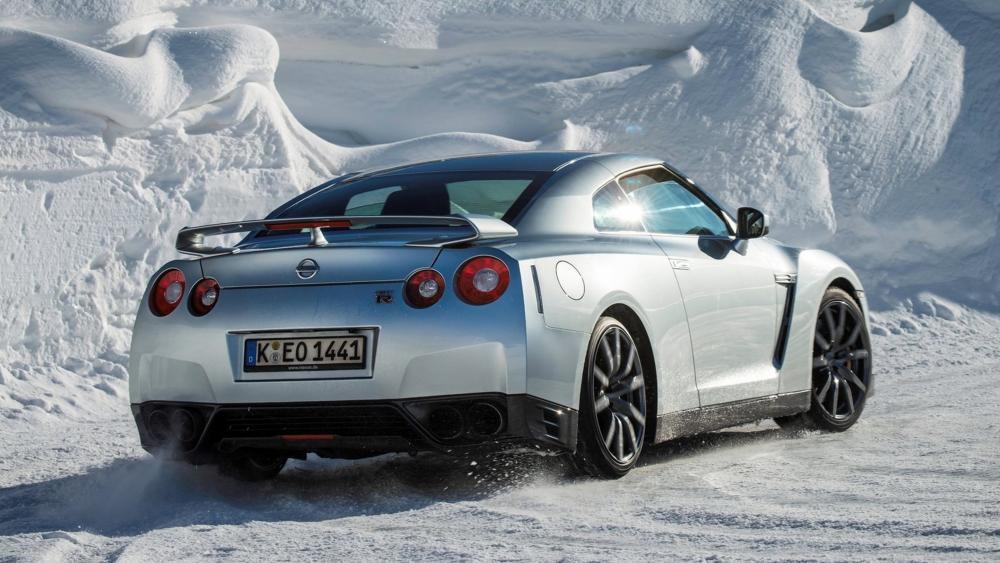Nissan GTR on Snow wallpaper