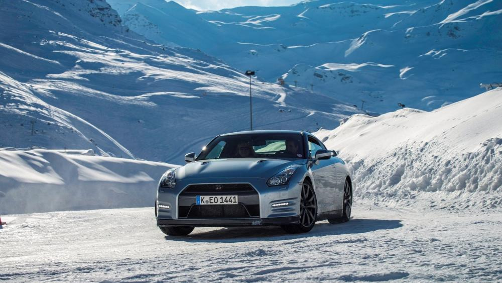 Nissan GT-R on snow wallpaper