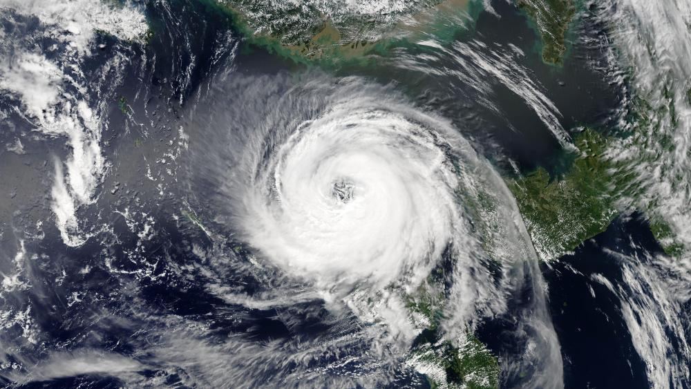 Typhoon Soulik South of Jeju Island on August 22, 2018 wallpaper