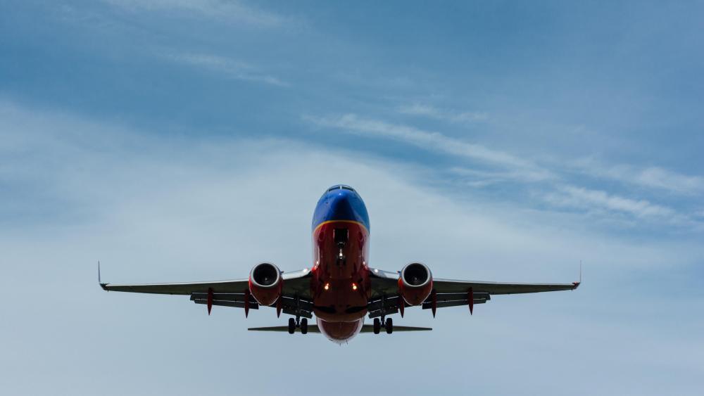 Southwest Airlines Flying over Washington, D.C. wallpaper