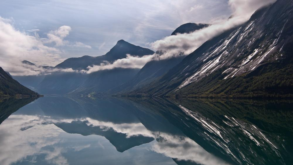 Sognefjord, Jostedalsbreen National Park wallpaper