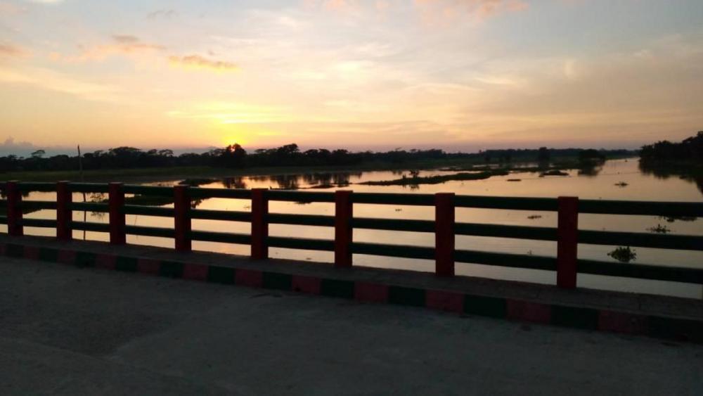 Bridge view in the evening wallpaper