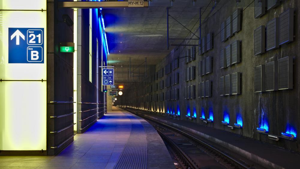 Antwerpen-Centraal Railway Station Platform 21 wallpaper