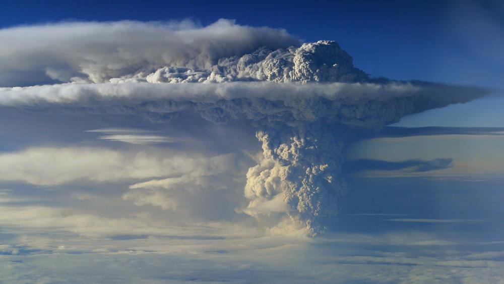 Puyehue-Cordón Caulle Volcanic eruption wallpaper