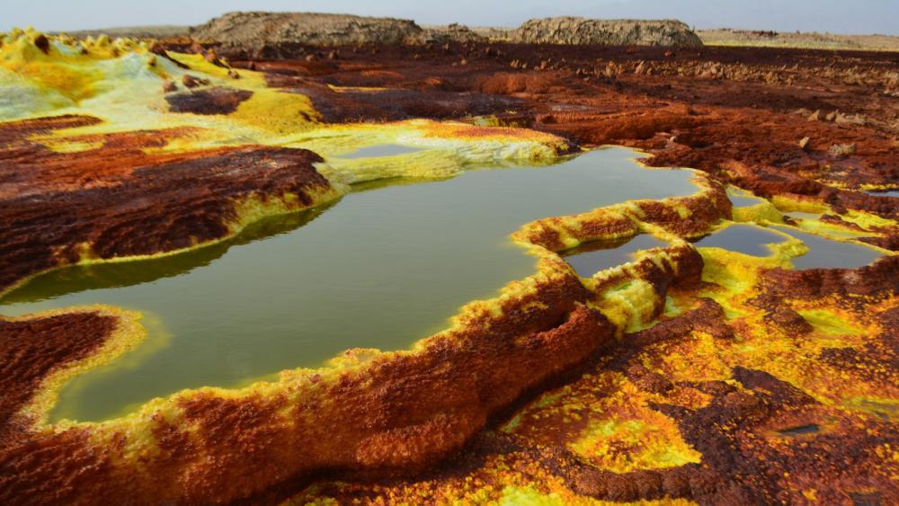 Danakil Desert sulphur springs wallpaper