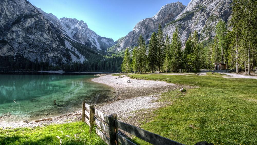 Pragser Wildsee / Lake Braies wallpaper