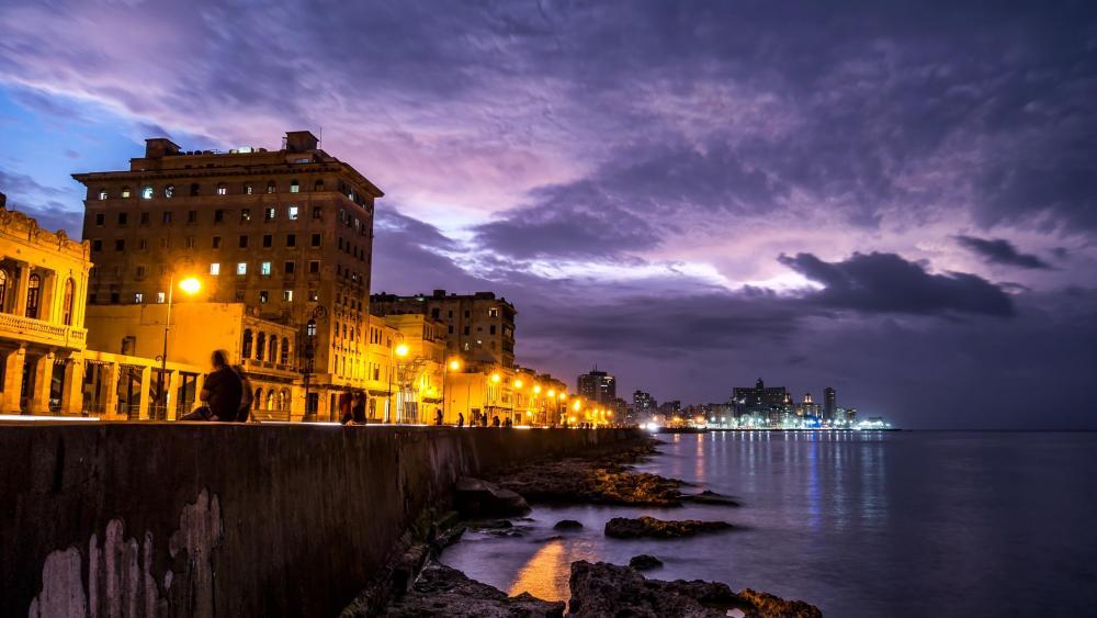Havana beach strip at night wallpaper
