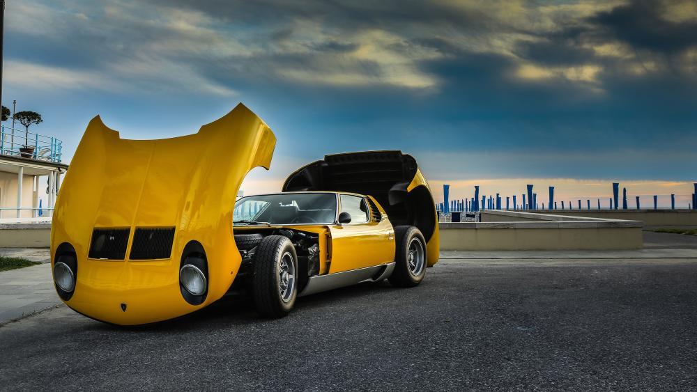 Lamborghini Miura wallpaper