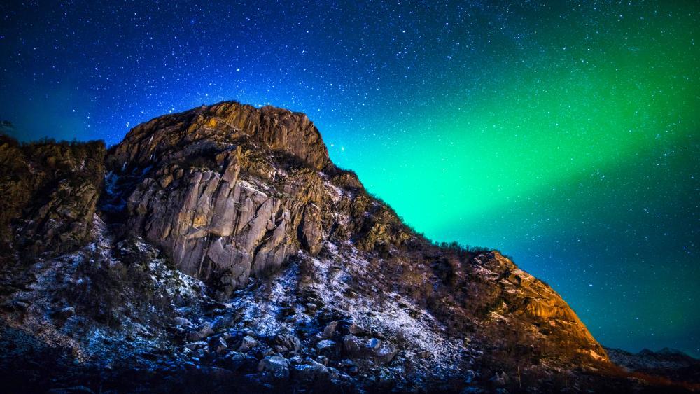 Aurora Polaris in Lofoten wallpaper