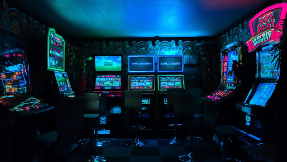 Gaming room with arcade machines wallpaper