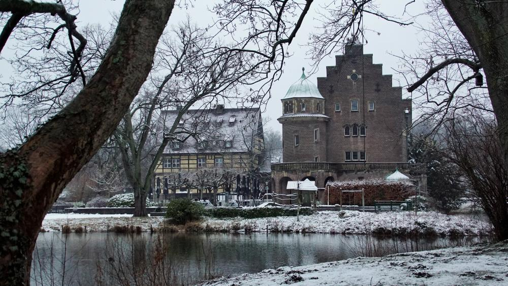 Gladbeck in the snow wallpaper