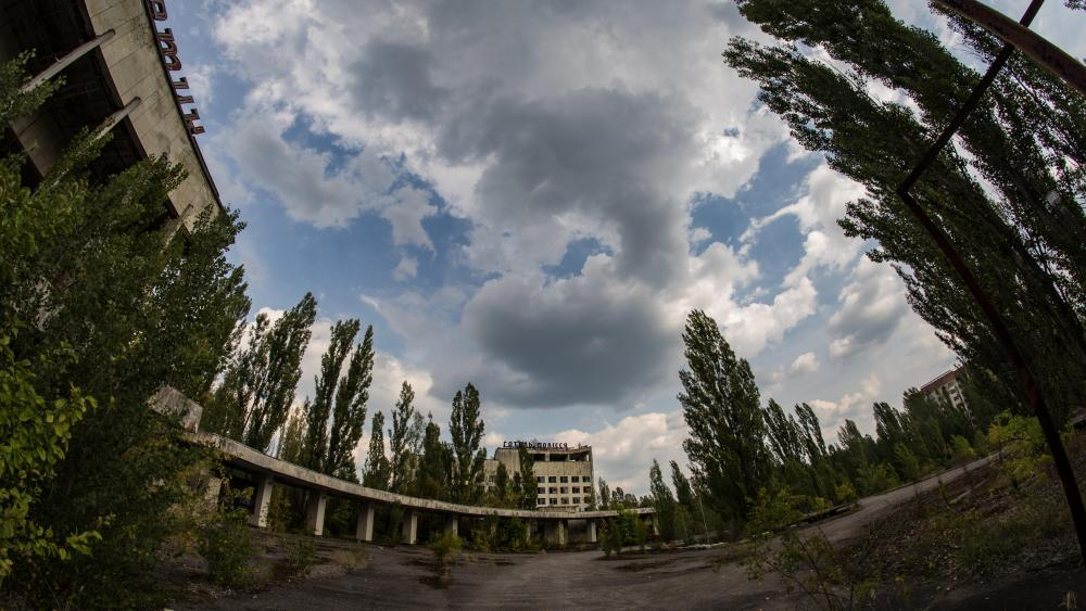 Abandoned city after the Chernobyl disaster wallpaper