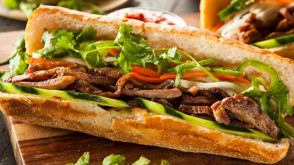 Fried meat sandwich wallpaper