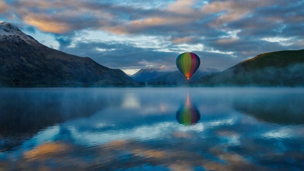 Hot air ballooning above the Lake Hayes wallpaper