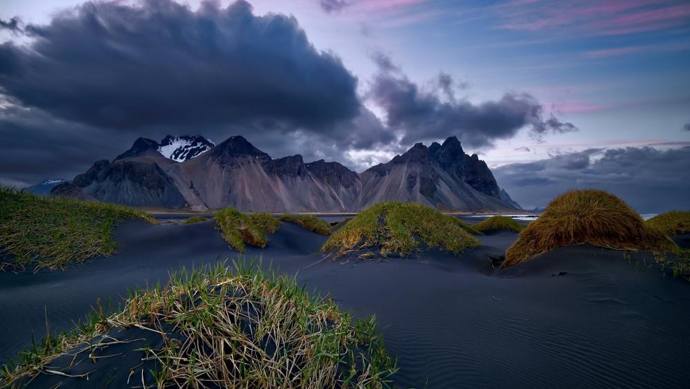 Vestrahorn Mountains, Iceland wallpaper
