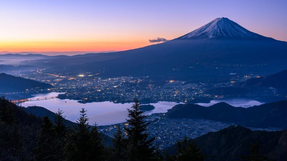 Mount Fuji at dusk wallpaper