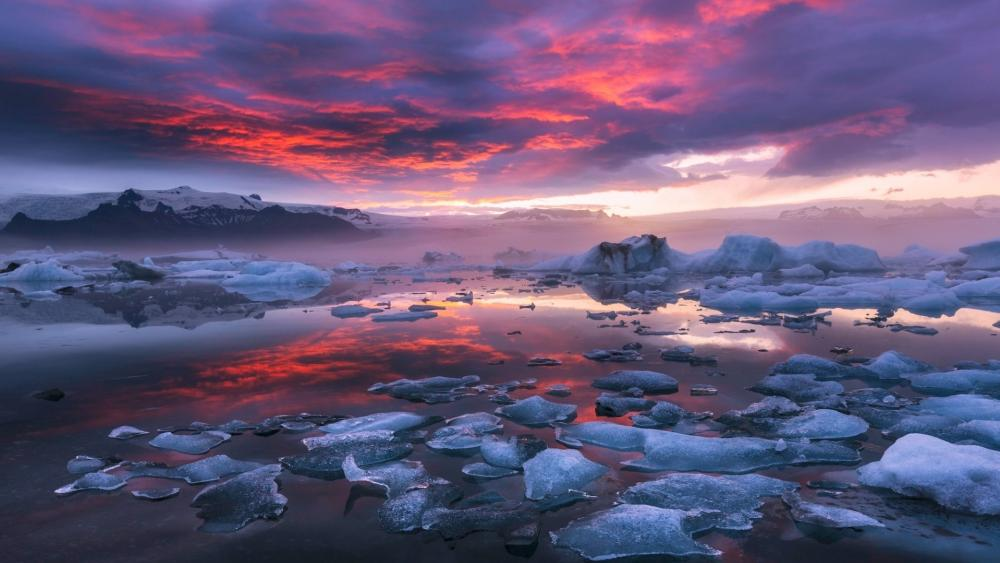 Cloudy Iceland wallpaper