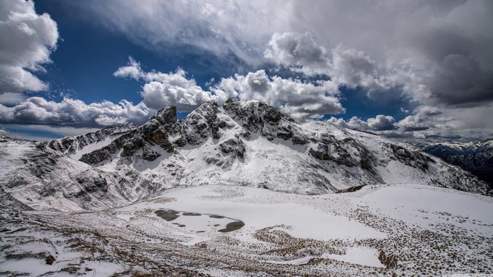 Snowy Dolomites wallpaper