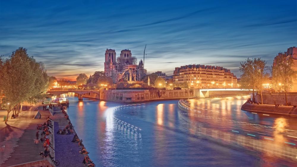 Notre-Dame de Paris wallpaper