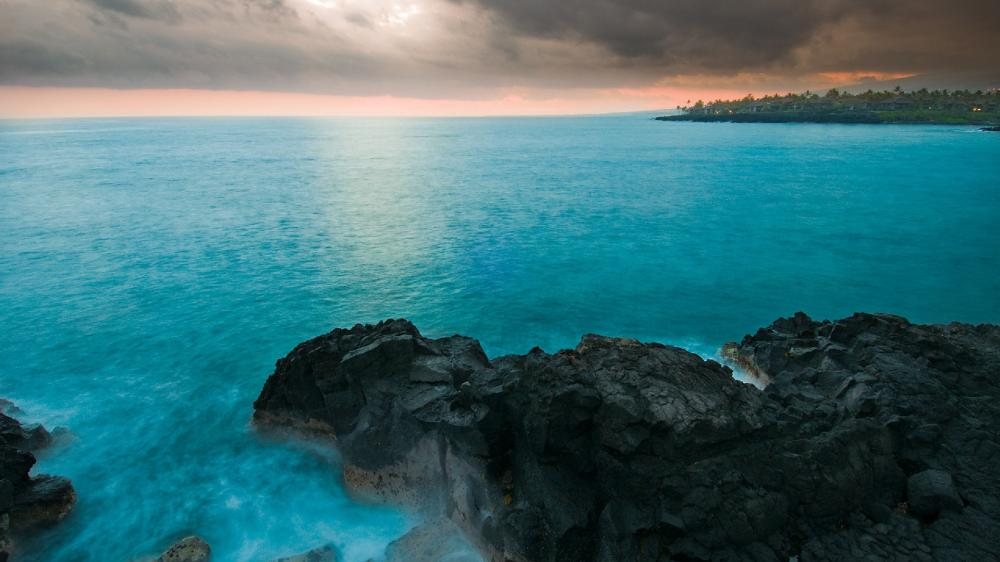 Hawaiian blue sea wallpaper
