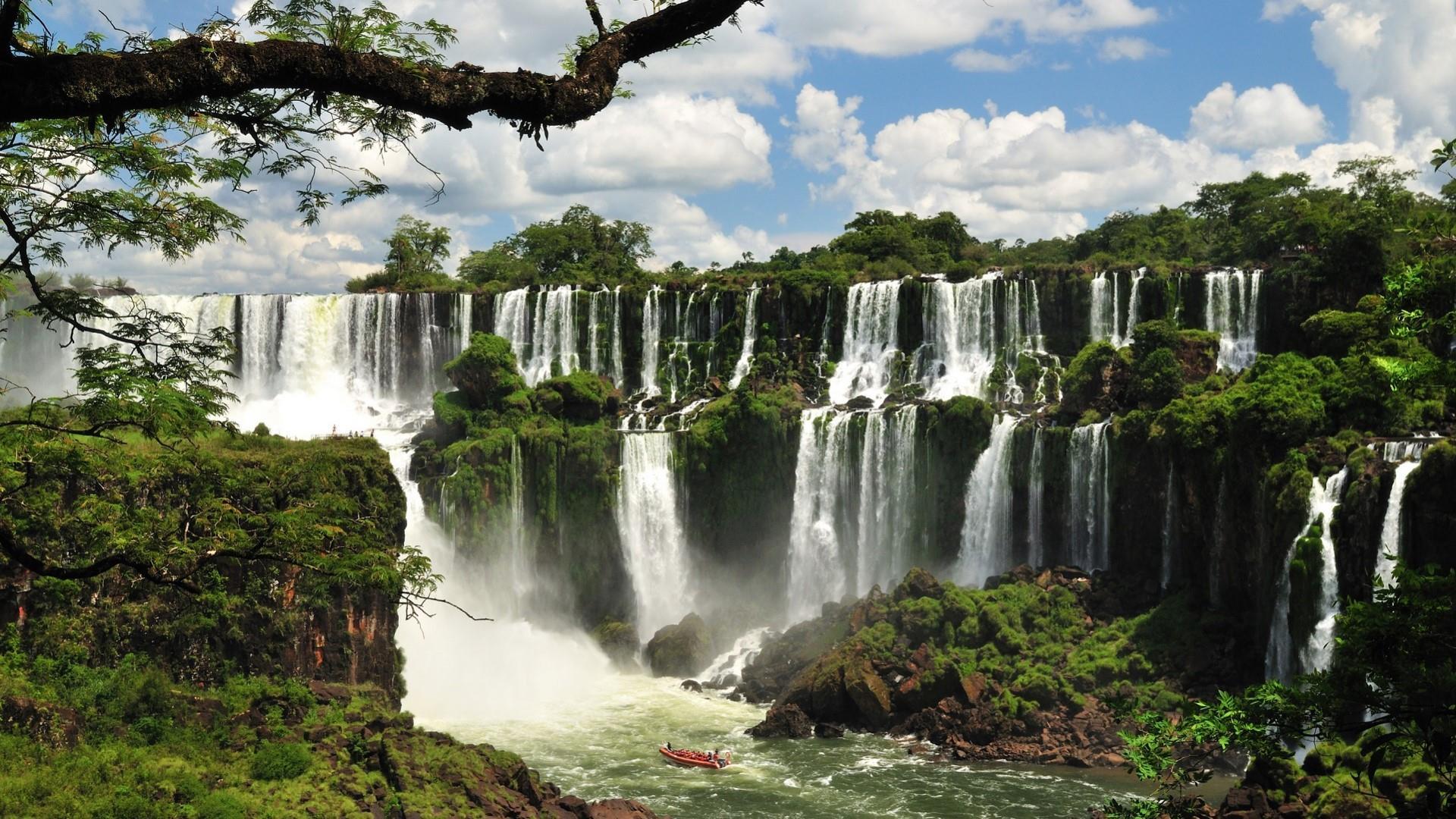 Iguazu Falls - Argentina wallpaper
