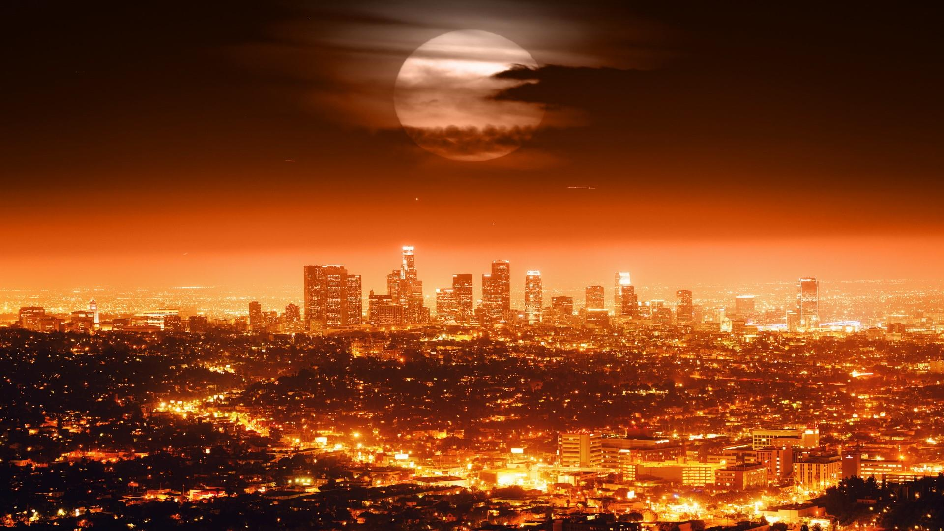 Full moon in the dark sky above Los Angeles  wallpaper