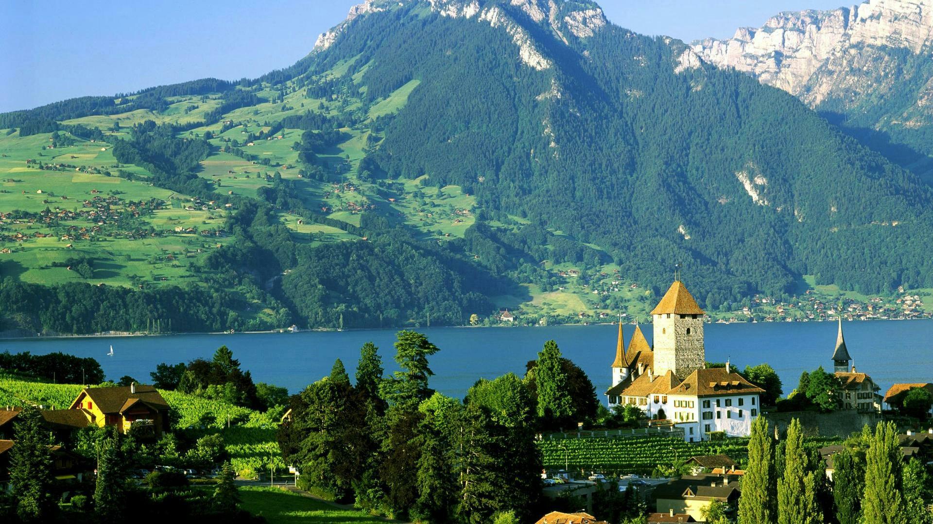 Schloss Spiez at the Lake Thun, Switzerland  wallpaper