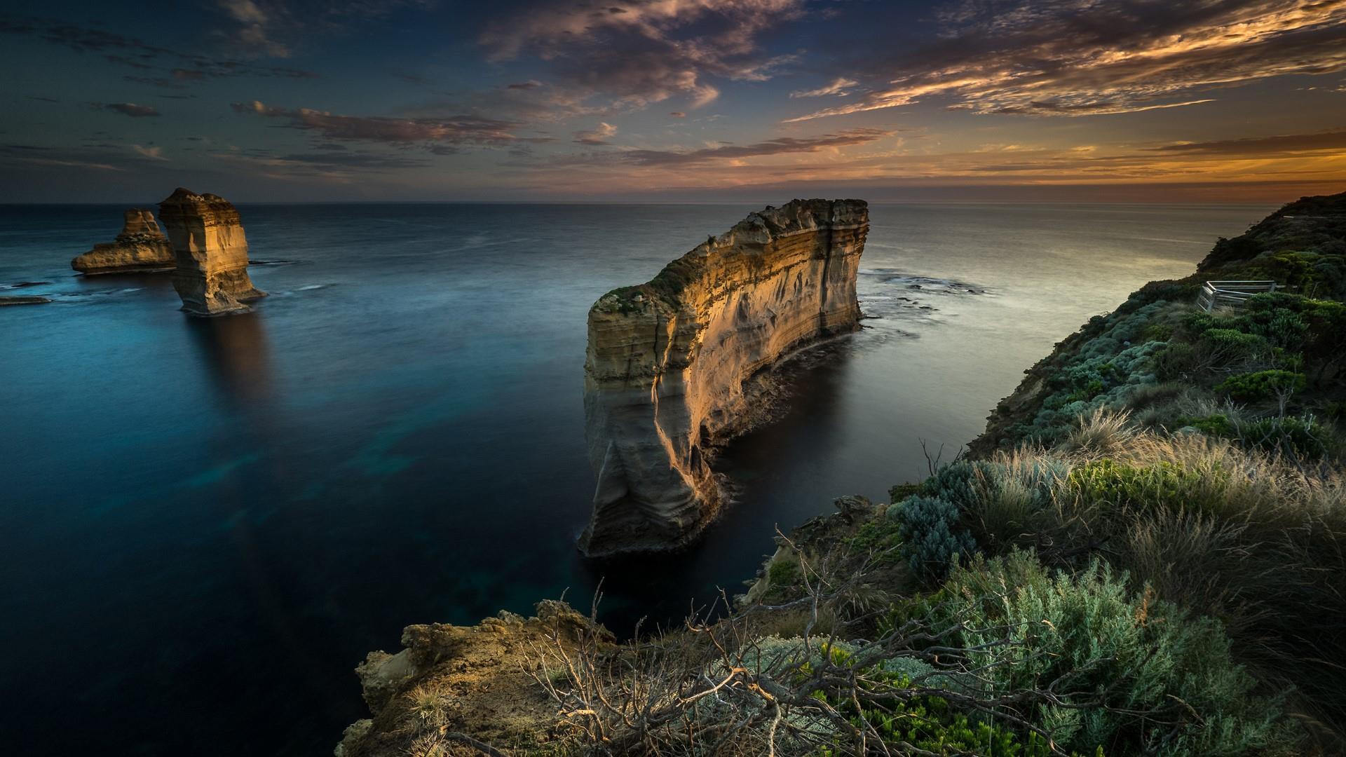 Sunset scene from the Great Ocean Road, Victoria, Australia wallpaper