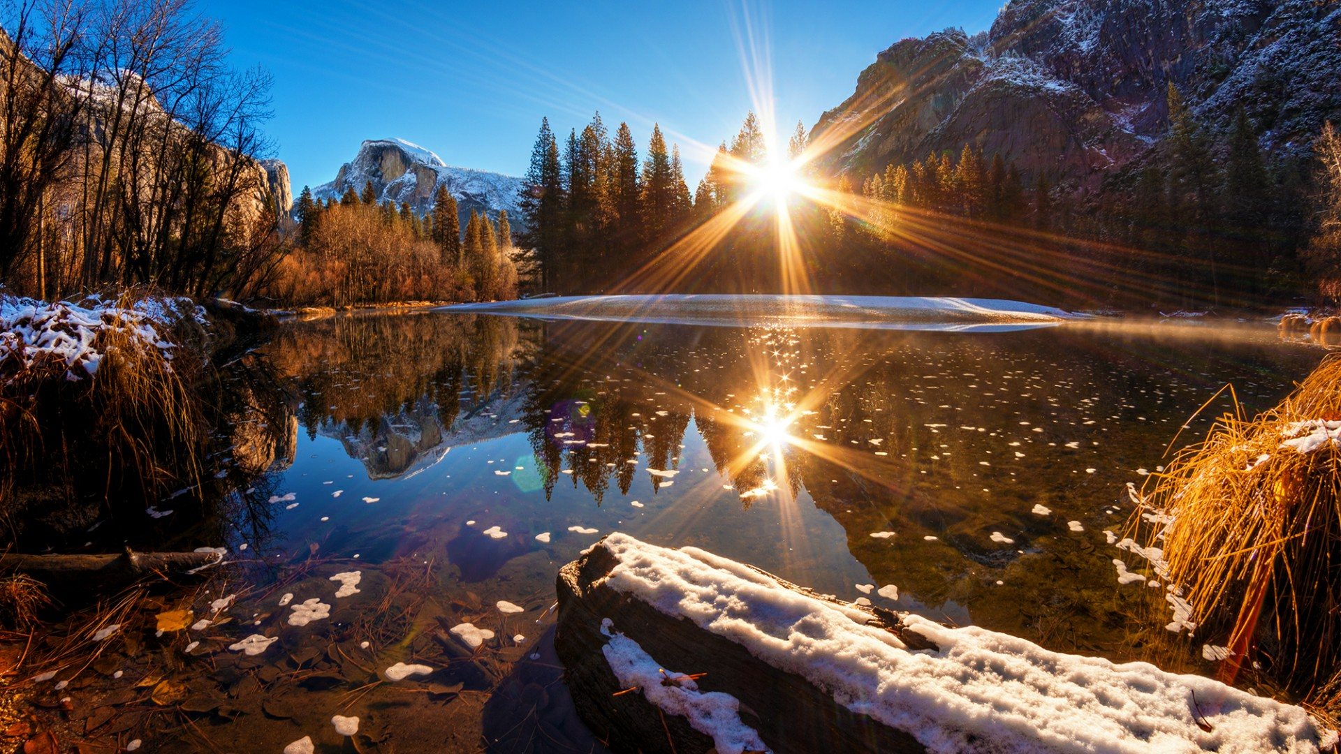 Ray of lights reflected in the Mirror Lake wallpaper