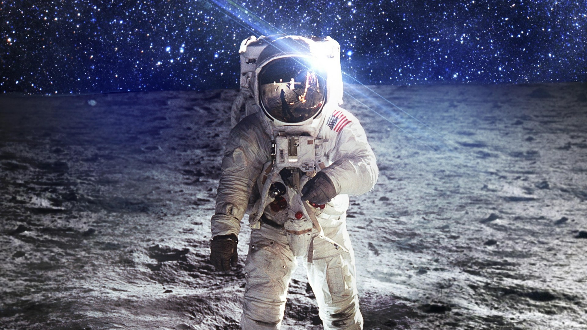 ‍ Astronaut on the moon  wallpaper