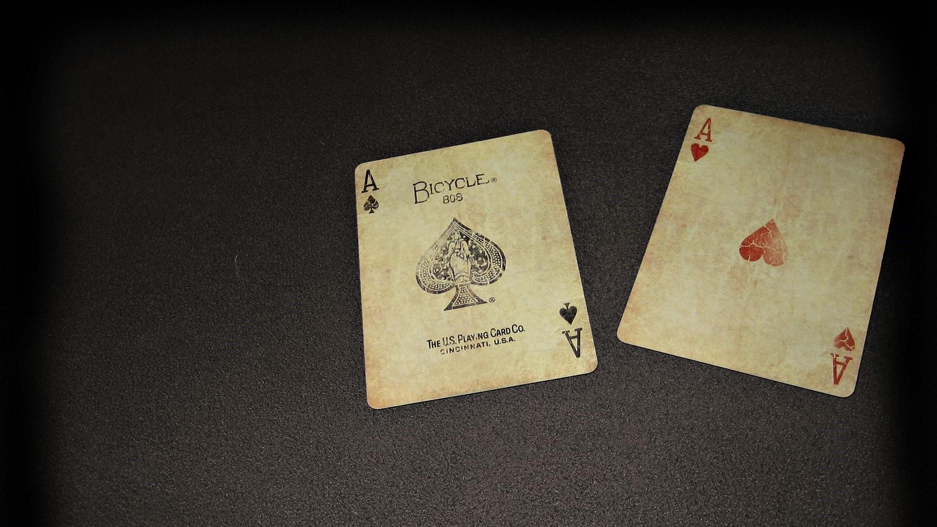 Playing card wallpaper