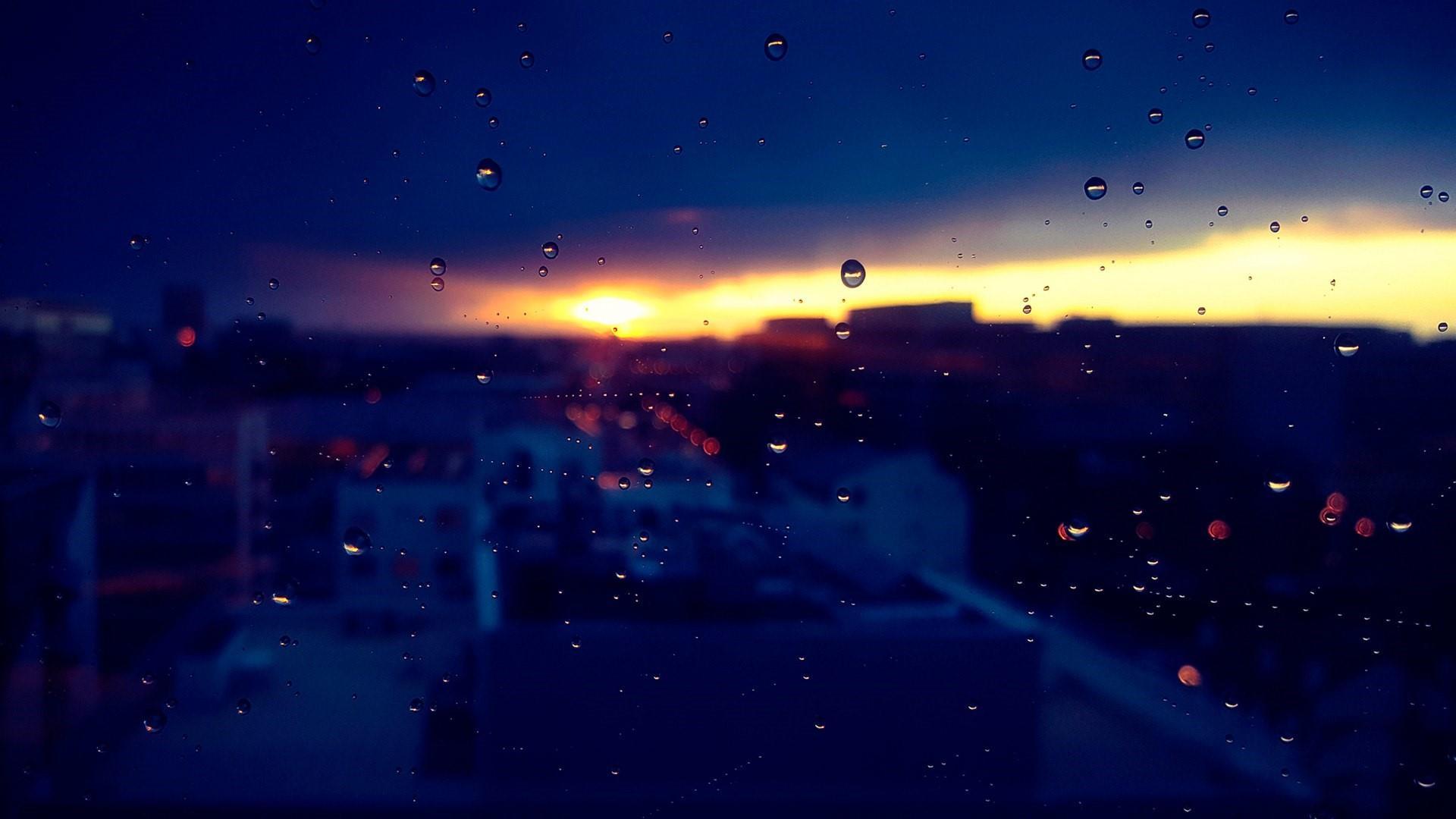Waterdrops on window glass wallpaper