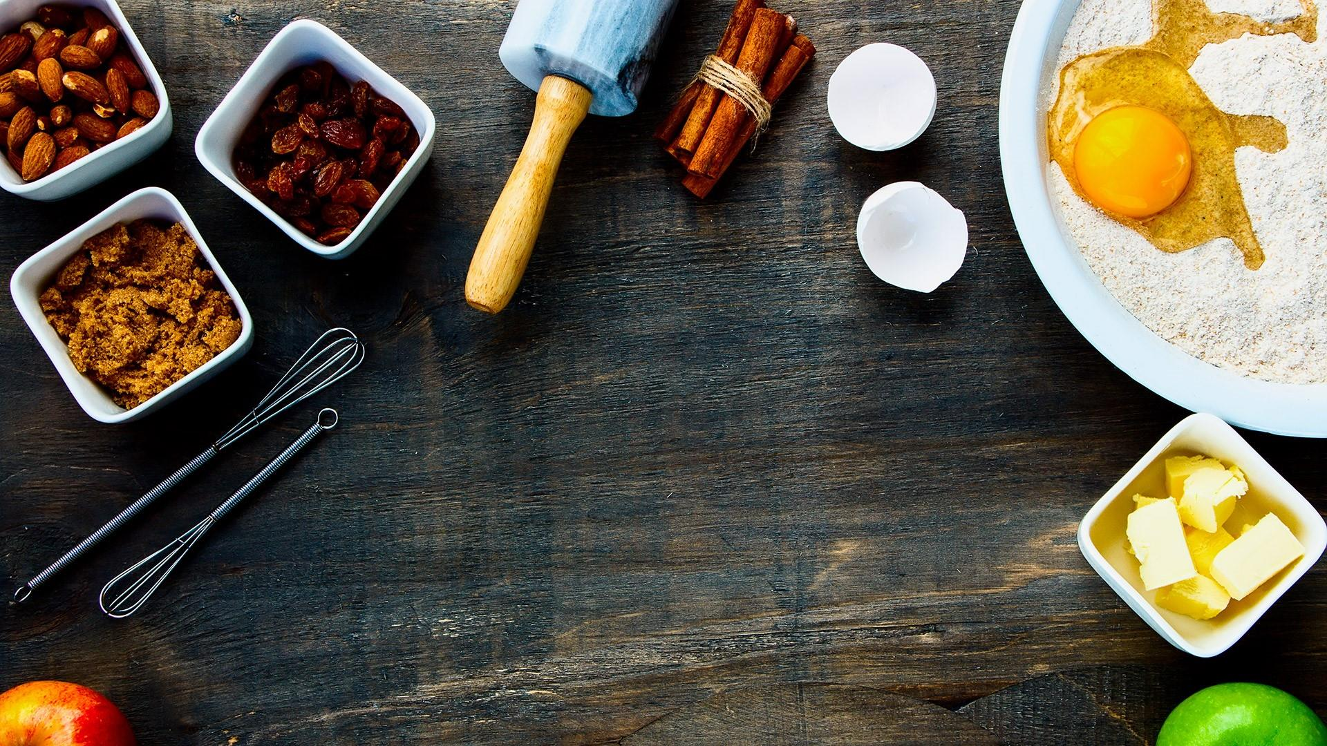 Cooking table wallpaper