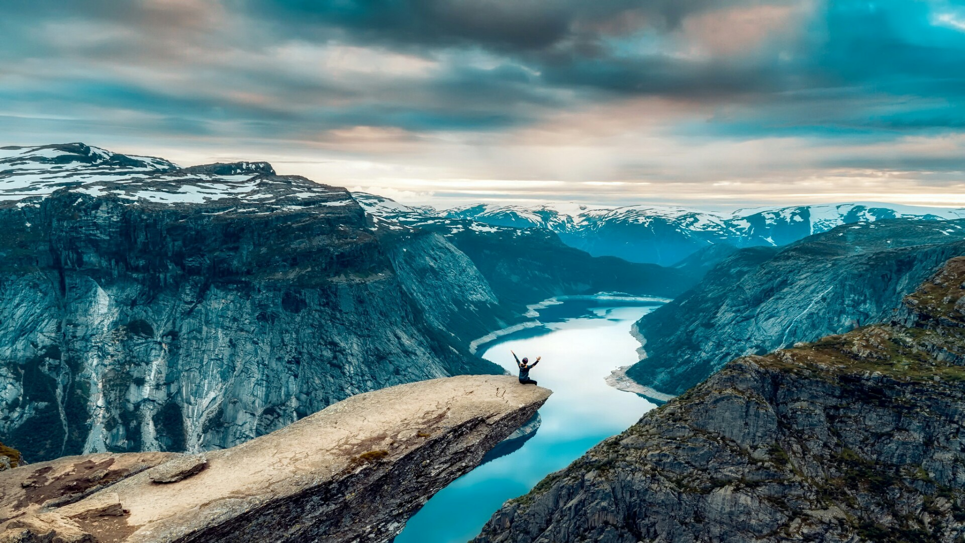 Hardangerfjord in Norway wallpaper