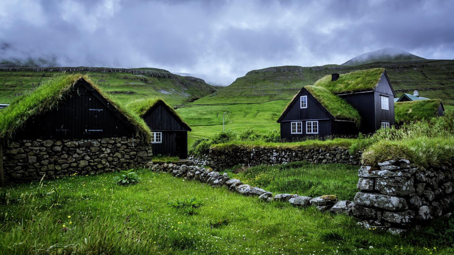 Husavik Turf Houses Faroe Islands Hd Wallpaper Backiee