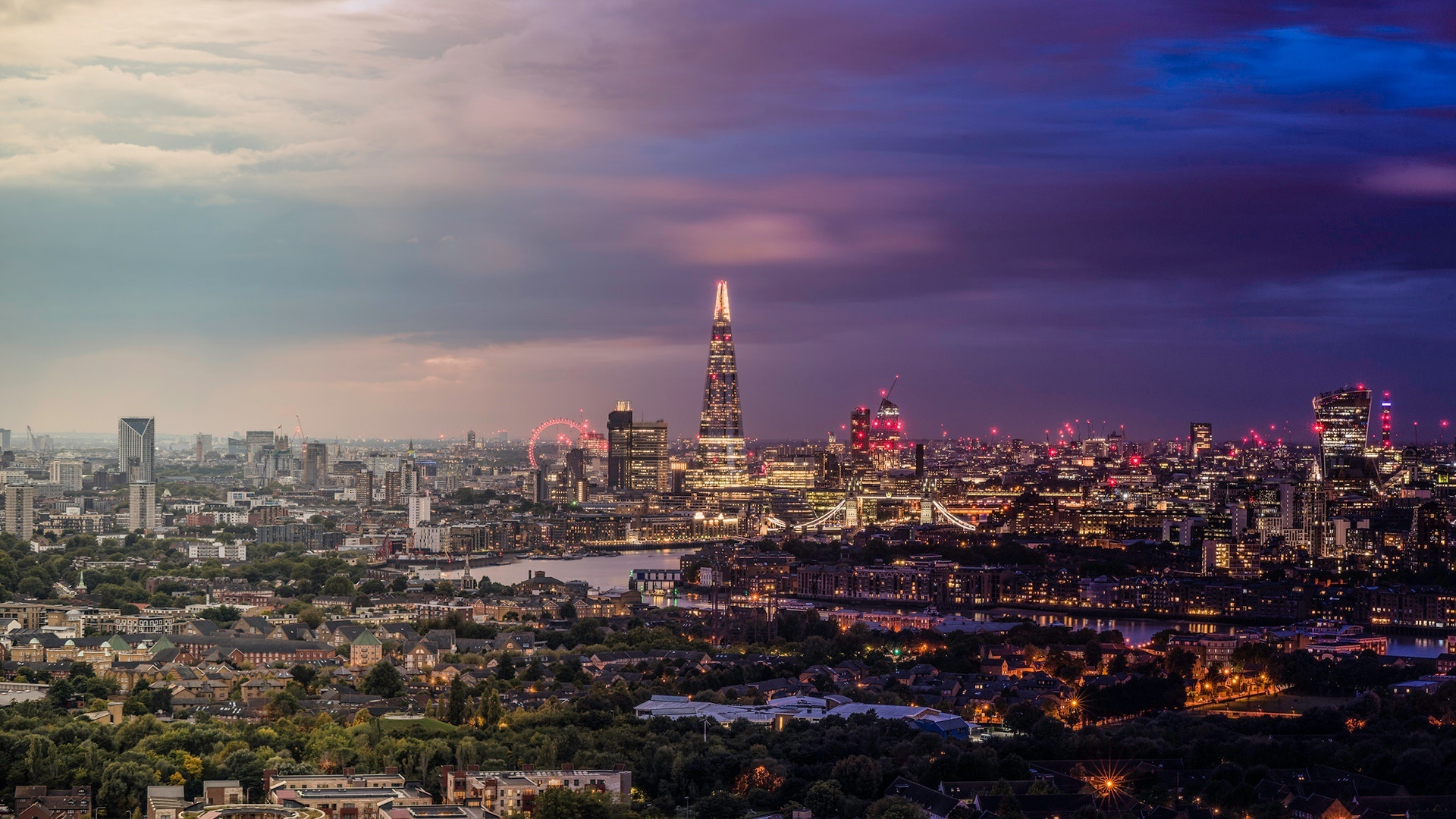 London skyline with The Shard wallpaper