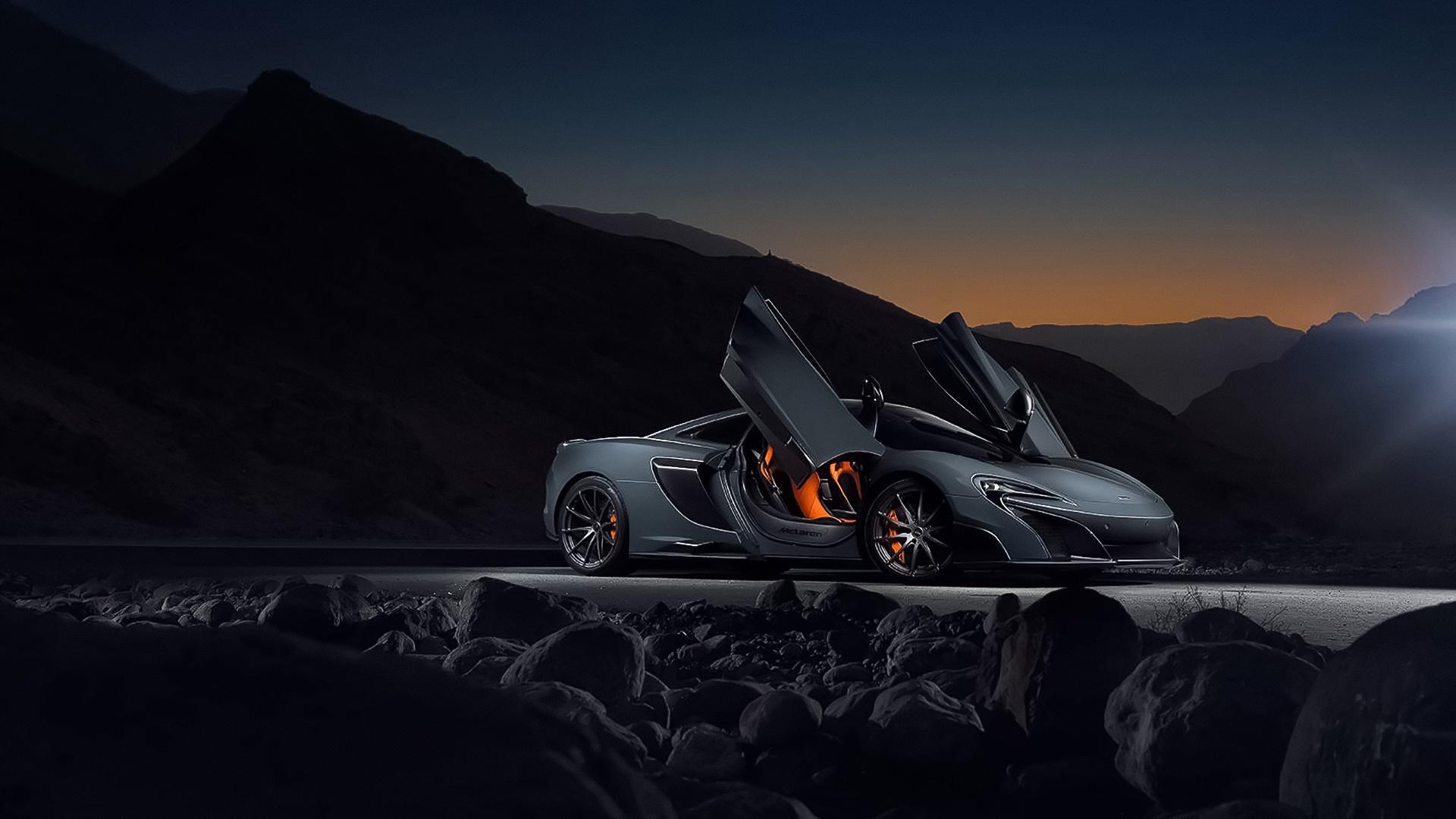 McLaren 675LT supercar wallpaper