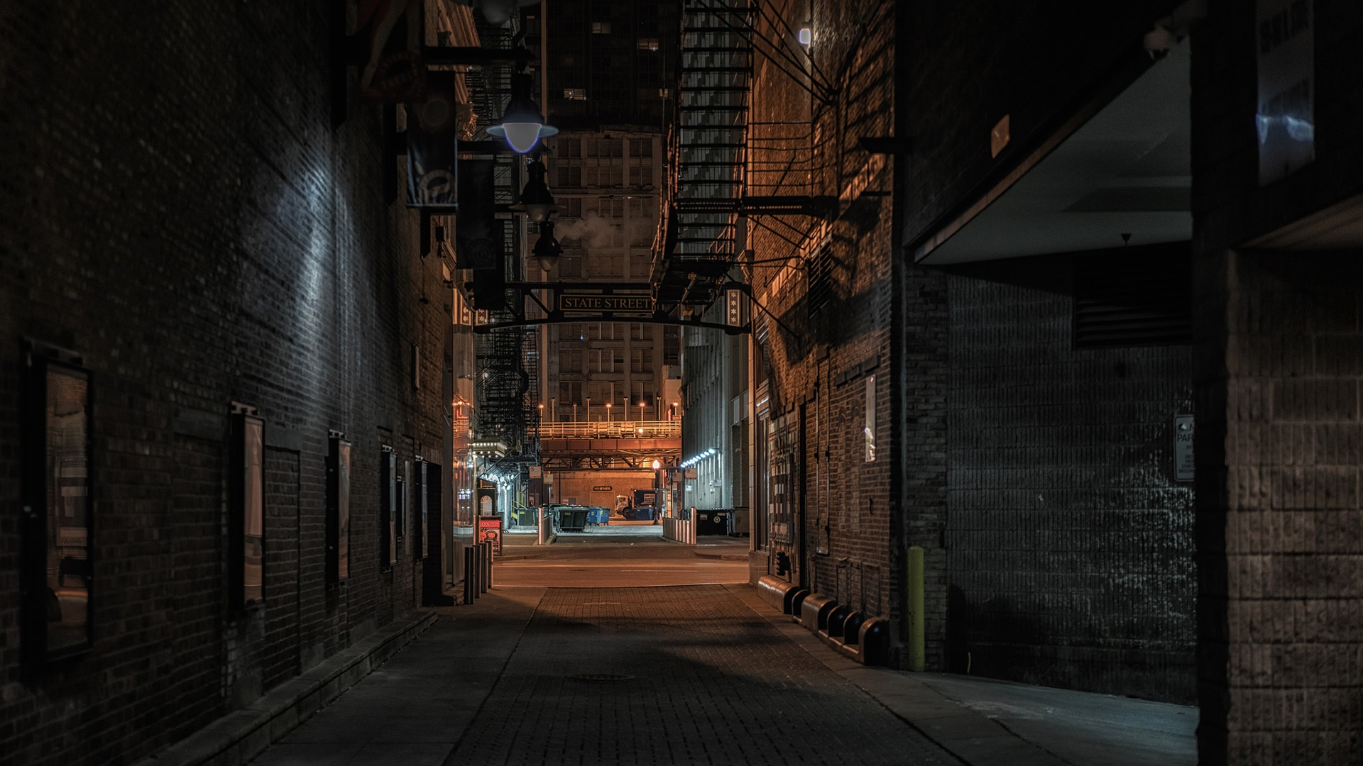Alley at night (Chicago) wallpaper
