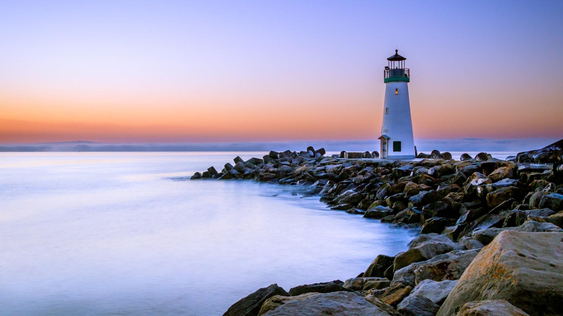 Walton Lighthouse, Santa Cruz wallpaper