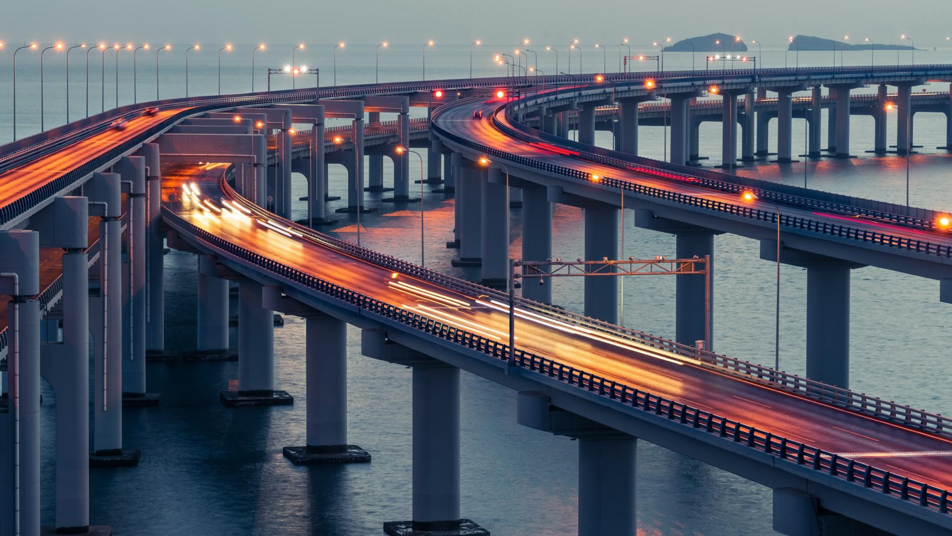 Cross-sea bridge in Dalian wallpaper