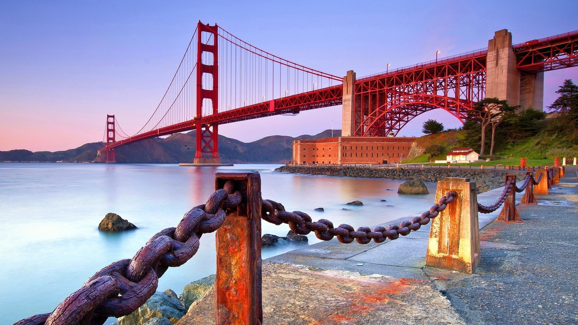 Red Golden Gate Bridge wallpaper